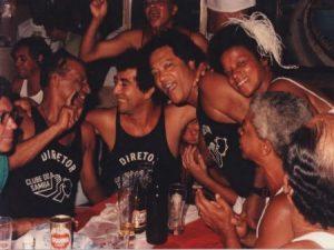 Com o ex-jogador Zizinho e Roberto Ribeiro no Clube do Samba - Foto: Reprodução