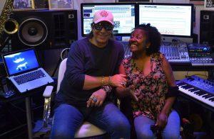 Beto Saroldi e Rosa Marya Collin no estúdio - Foto: Divulgação