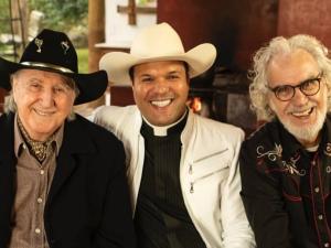 Sérgio Reis, padre Alessandro e Renato Teixeira participam de especial em louvor da padroeira do Brasil - Foto: Divulgação