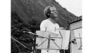 O saudoso Paulo Moura em apresentação no Parque da Catacumba - Foto: Reprodução - música na rua