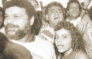 Laíla na comemoração do título do Grupo de Acesso de 1990, que levou a Grande Rio ao Grupo Especial