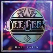 Capa do álbum 'Hail Satin', do Foo Fighters, que mescla covers dos Bee Gees e versões ao vivo gravadas em estúdio de canções álbum 'Midnight Medicine'