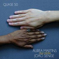 Capa do álbum 'Quase 50', que marca o encontro das vozes de Áurea Martins João Senise