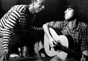 Zé Kéti e Nara Leão no show Opinião, marco na contestação artística ao golpe militar de 1964 - Foto: Reprodução