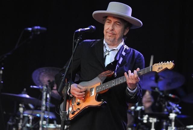 Bob Dylan, durante apresentação em 2012 - Foto: Reprodução