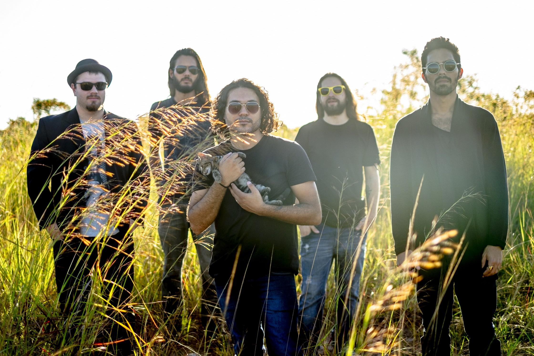 A banda carioca, que começou fazendo shows em tributo ao Pearl Jam, apresenta seu lado autoral no álbum 'Mercury' _ Fotos: Ale Grand